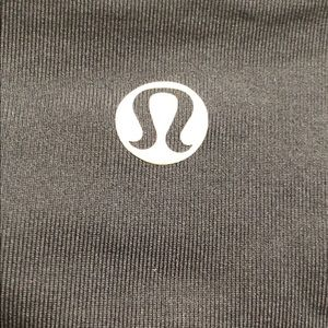 lululemon athletica Pants - Lululemon black crop pant.Side zip pocket. Sz  6
